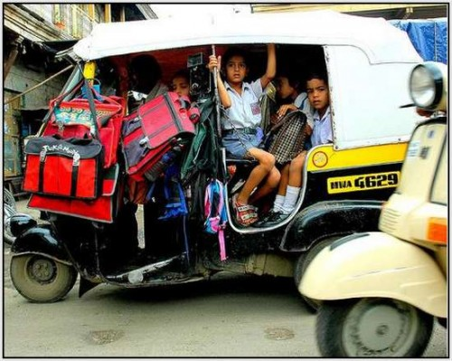 Ĺkolski autobus Indija 10