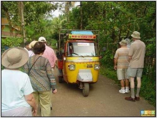 Ĺkolski autobus Indija 13