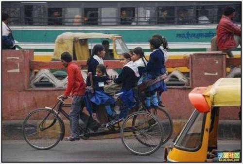 Ĺkolski autobus Indija 16