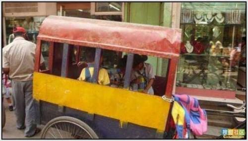 Ĺkolski autobus Indija 22