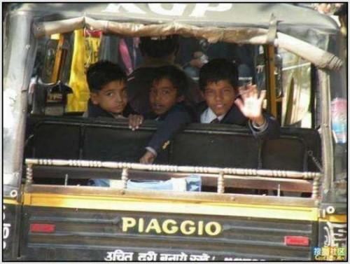 Ĺkolski autobus Indija 24