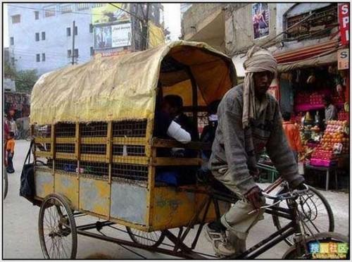 Ĺkolski autobus Indija 28