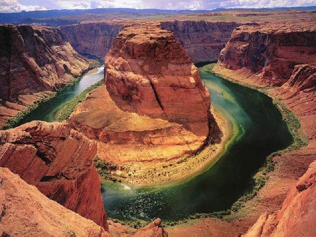 Why Grand Canyon Bus Tours Are The Ideal Option